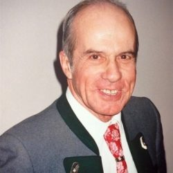 Manfred Konrad STRAKA